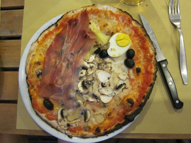 our local pizza joint: pizzeria alle carrette