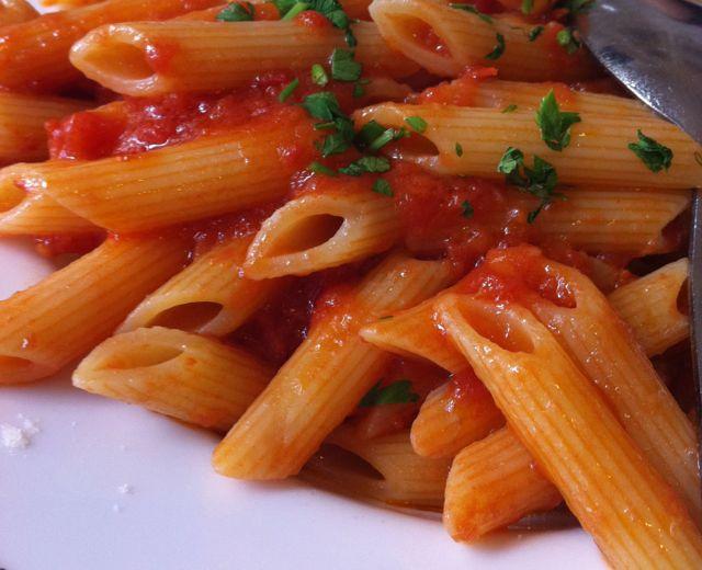 very angry pasta {penne arrabbiata}