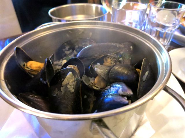 Wright Brothers - Oysters & Porterhouse - Mussles