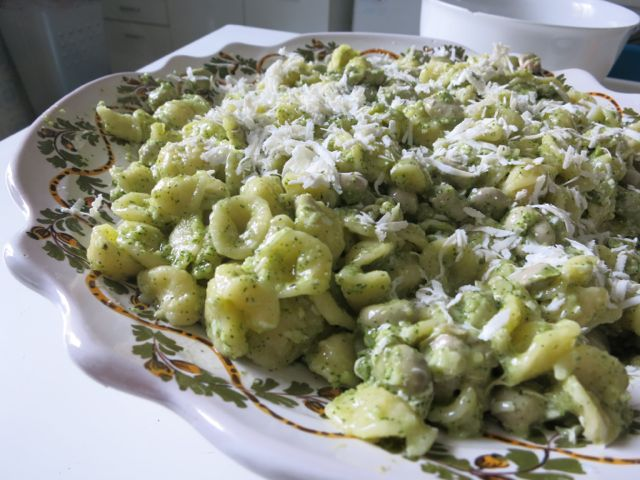 Orecchiette with Spring Pesto, www.elizabethminchilliinrome.com