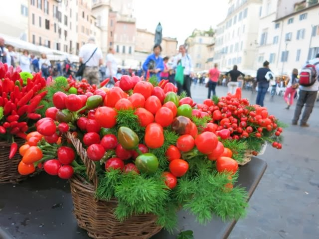 fall colors + rome {campo de' fiori} ElizabethMinchilliInRome.com