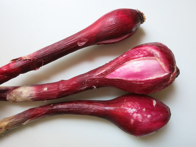 red onions for green bean salad
