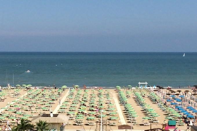 The Beach, Rimini, http://www.elizabethminchilliinrome.com/