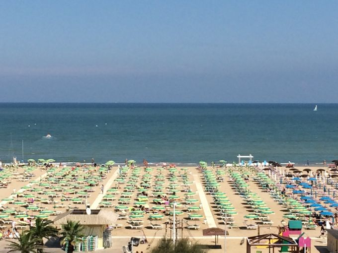 The Beach, Rimini, http://www.elizabethminchilliinrome.com/