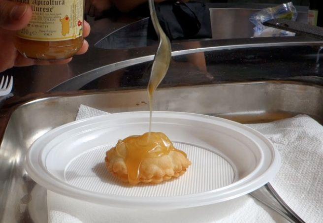 seadas {sardinian cheese + honey pastry}