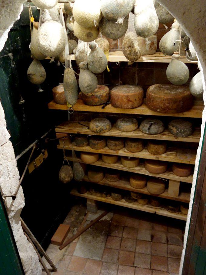 Cibus, Cheese Cave