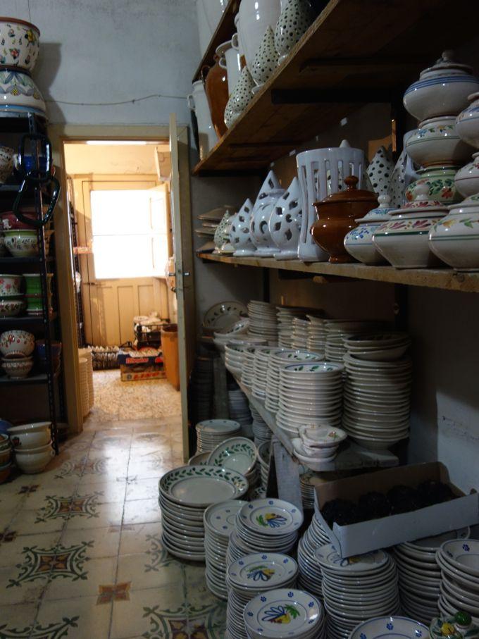 Cutrofiano-Ceramics-Elizabeth-Minchilli-In-Rome