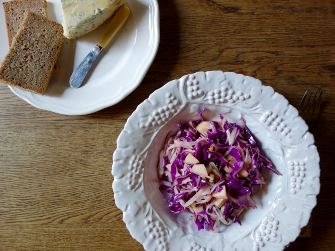 red cabbage + kohlrabi {slaw}