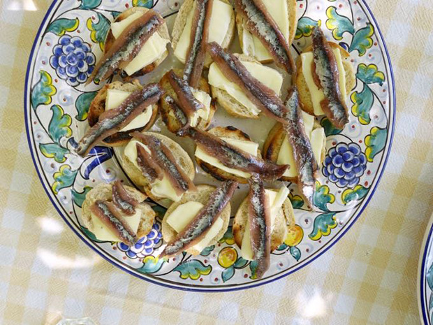 Crostini with Butter and Anchovies