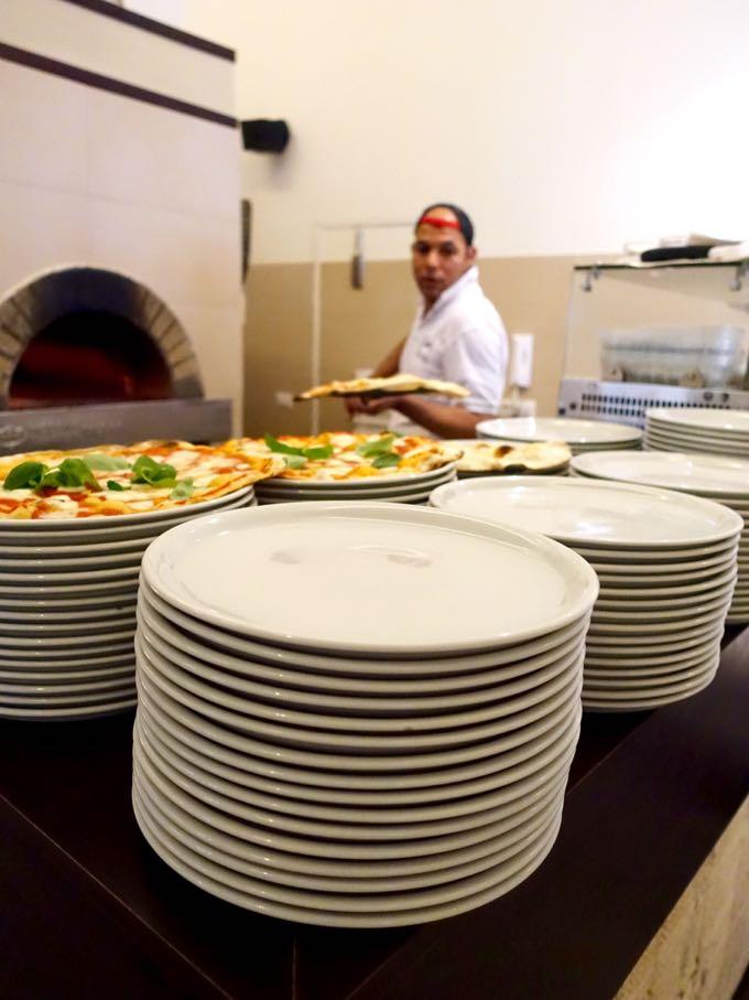 Pizzeria Emma, Elizabeth Minchilli in Rome