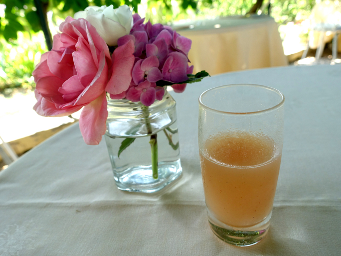 how to make a bellini {locanda cipriani – torcello}