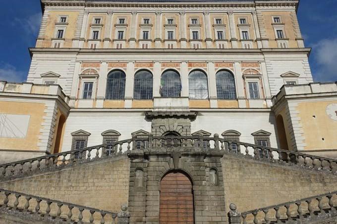 Farnese_Elizabeth_Minchilli - 2