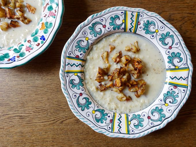 cauliflower + jerusalem artichoke {soup}