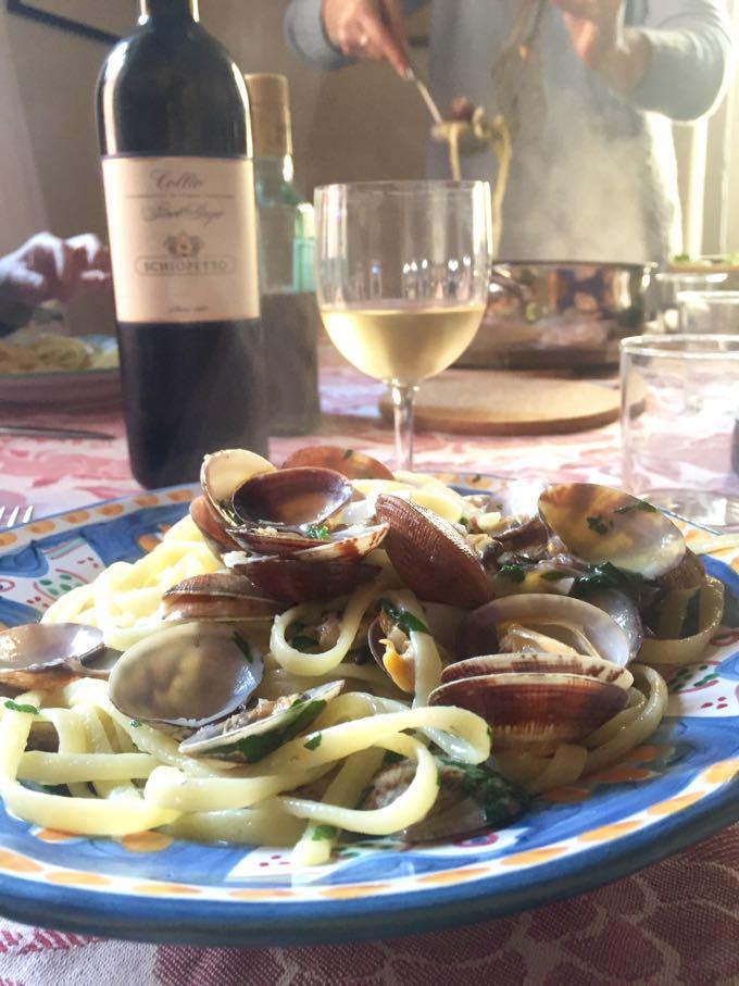 Spaghetti alle Vongole Elizabeth Minchilli