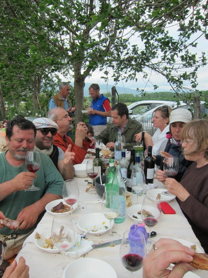 Table in Umbria Elizabeth Minchilli