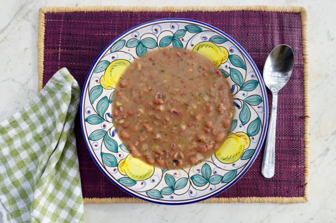 bean + prosciutto {soup}