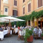 eating outside in rome