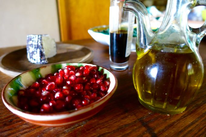 pomegranates-and-kale-salad