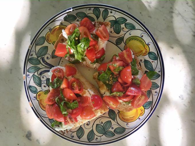 ricotta + tomato toast